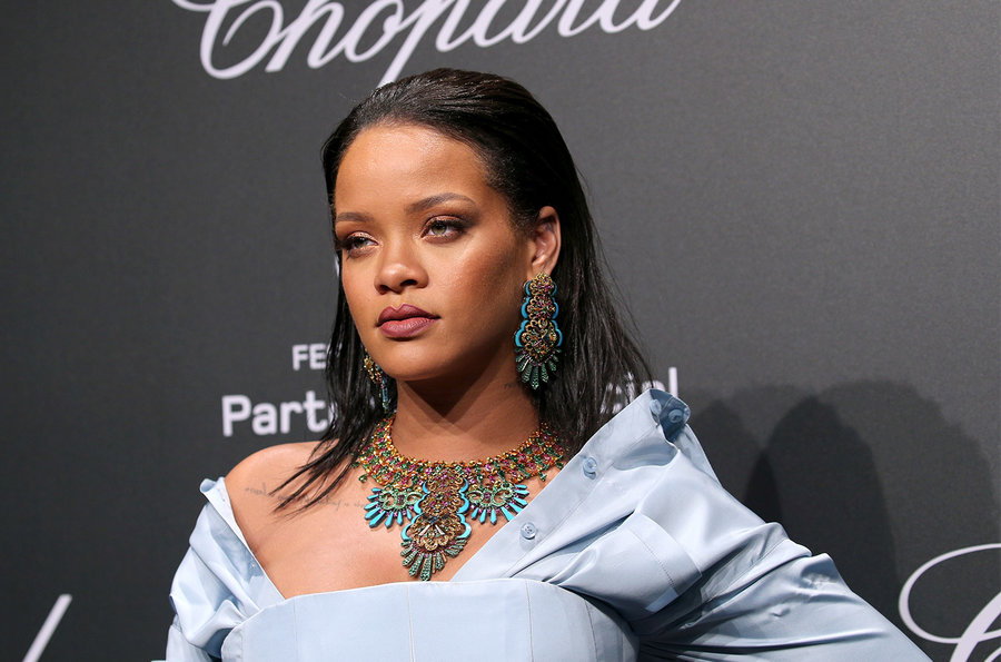 Rihanna and Chopard red carpet jewelry partnership.jpg