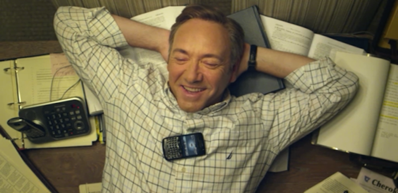 Frank Underwood uses BlackBerry in House Of Cards
