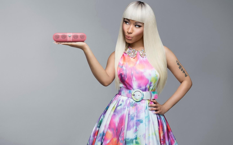 Nicki-Minaj-Beats-by-Dre-pill-nicki-minaj-35552631-1440-900.jpg