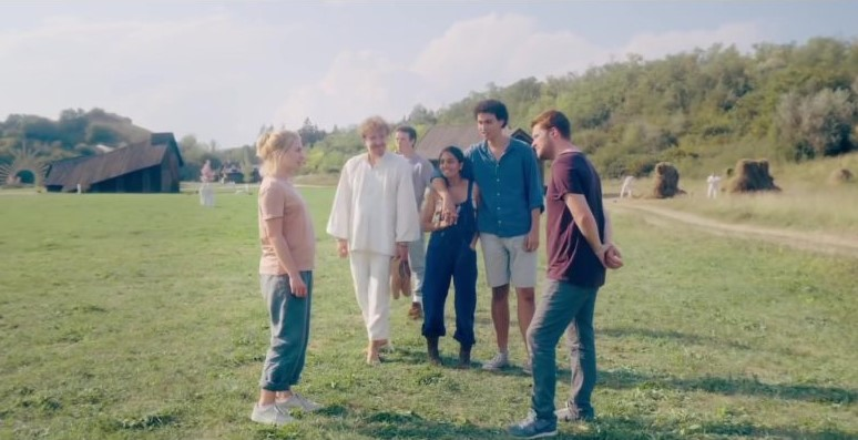 Nike-Sneakers-Worn-by-Jack-Reynor-in-Midsommar-800x450