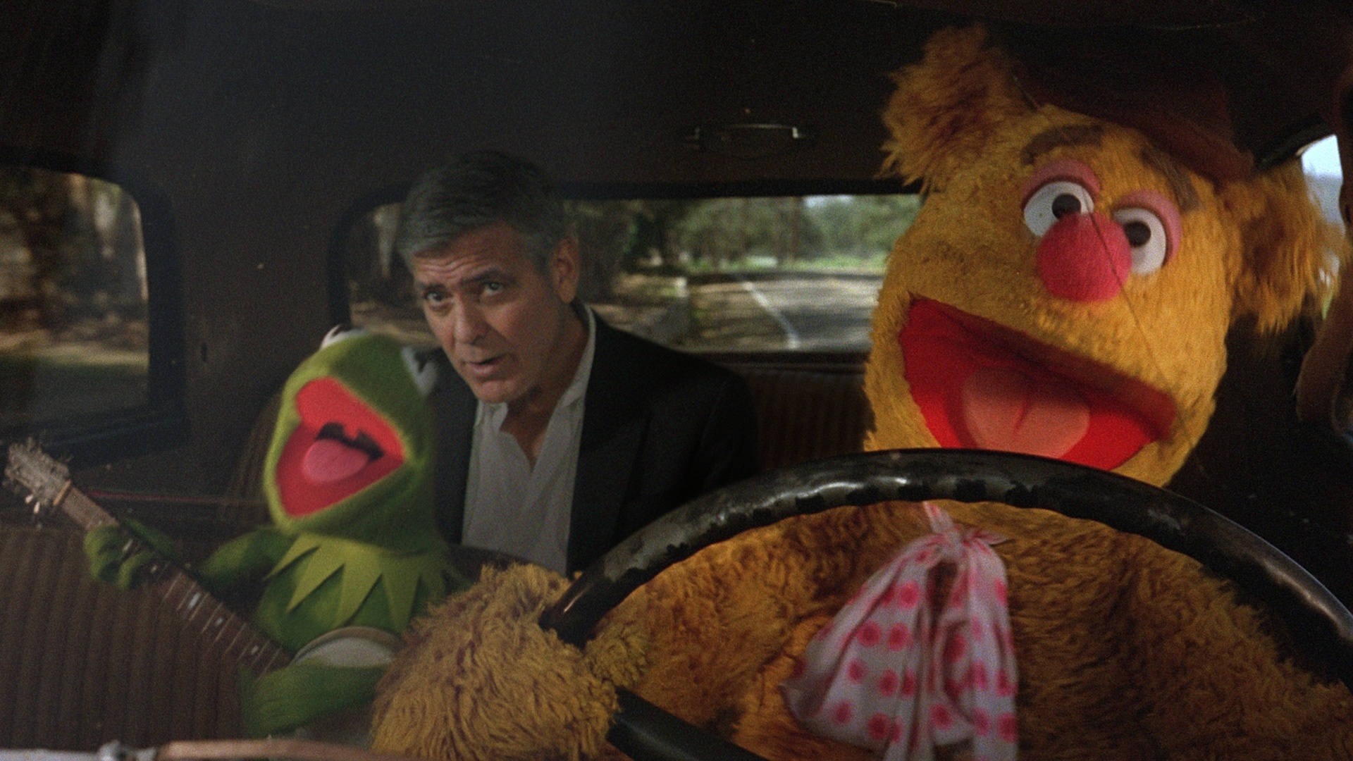 clooney_and_muppets.jpg