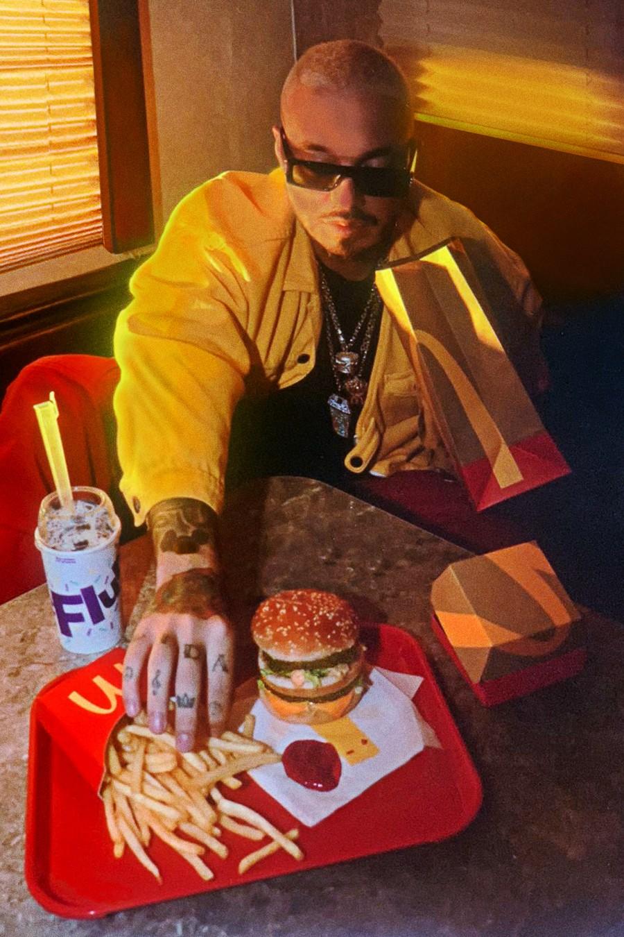 https___hypebeast.com_image_2020_10_j-balvin-mcdonalds-artist-meal-menu-collaboration-big-mac-oreo-mcflurry-medium-french-fries-5